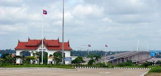 Friendship_bridge_laos_thailand
